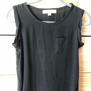 Black tshirt-fit blouse